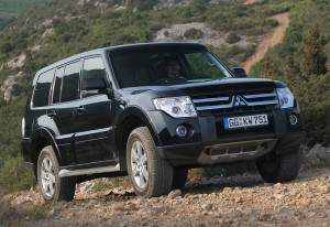 2006 Mitsubishi Pajero IV Ultimate 4; top car design rating and specifications