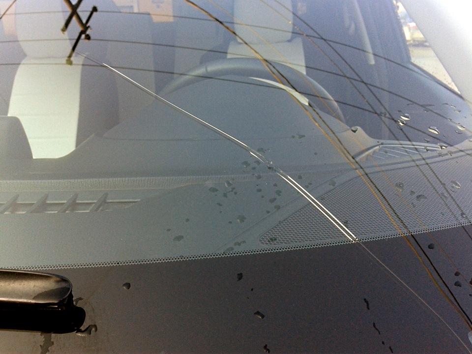 трещина на лобовом стекле1
