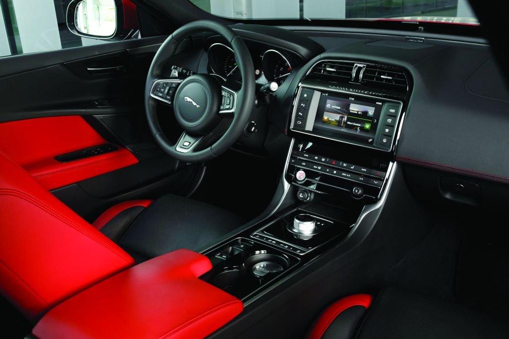 jaguar xe2
