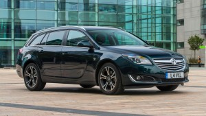 buyers_guide_-_vauxhall_insignia_tourer_2014_-_front_quarter