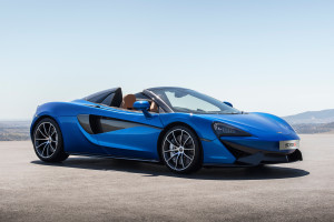2018-McLaren-570S-Spider-front-three-quarter-02