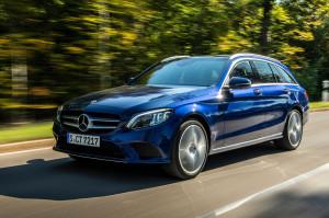 Driven by EQ Stuttgart 2018 Mercedes-Benz C 300 de T-Modell, Brillantblau-Metallic,  Leder Grau. Kraftstoffverbrauch kombiniert: 1,6-1,4 l/100 km, CO2-Emissionen kombiniert: 42-38 g/km, Stromverbrauch kombiniert: 18,7 kWh/100 km // Mercedes-Benz C 300 de T Station Wagon, briliant blue metallic, leather grey.  Fuel consumption combined: 1.6-1.4 l/100 km, CO2 emissions combined: 42-38 g/km, Power consumption combined: 18.7 kWh/100 km